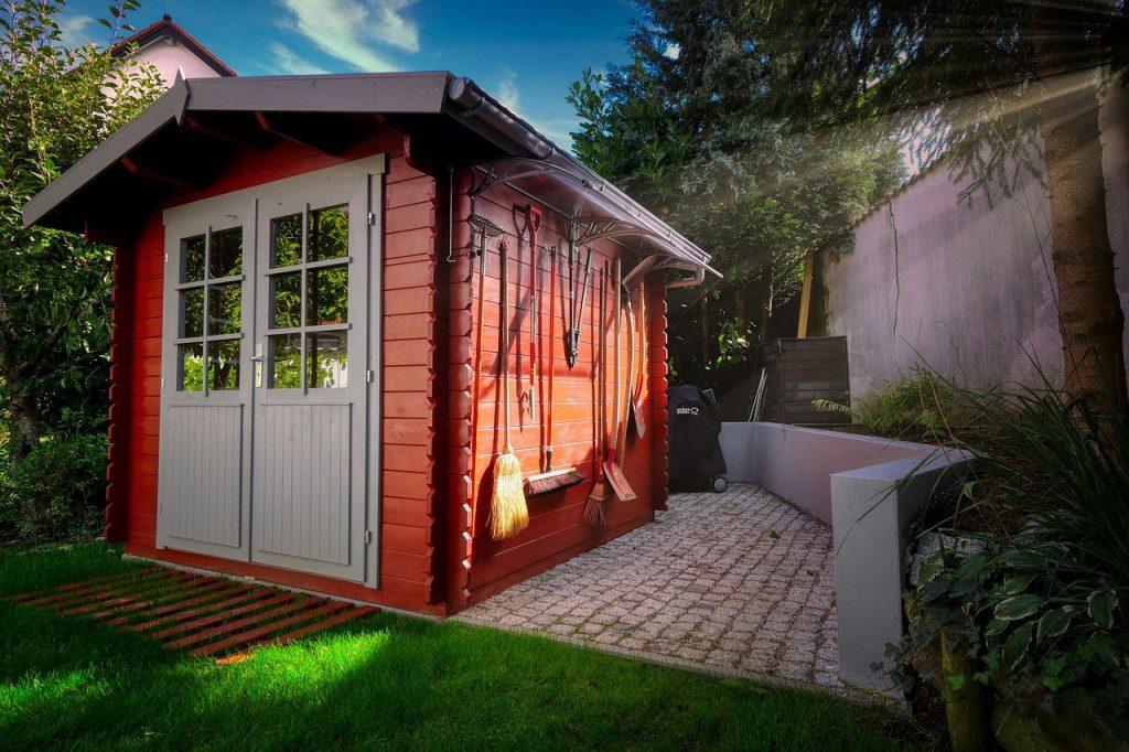 rood tuinhuisje